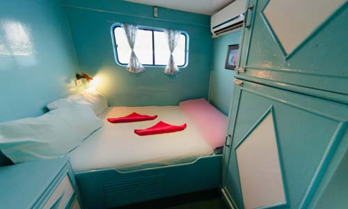 Dolphin Queen Double Bed Upper Deck Cabin