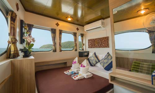 Master Double Bed Cabin